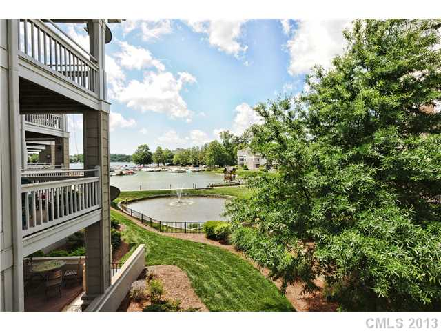 2152418 Lake Norman Waterfront Condos