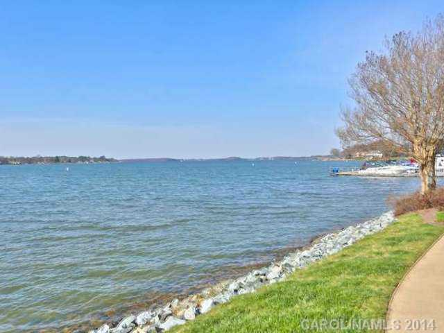 2217483 Lake Norman Waterfront Condos