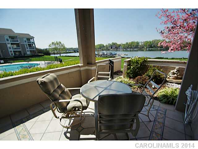 2221252 Lake Norman Waterfront Condos