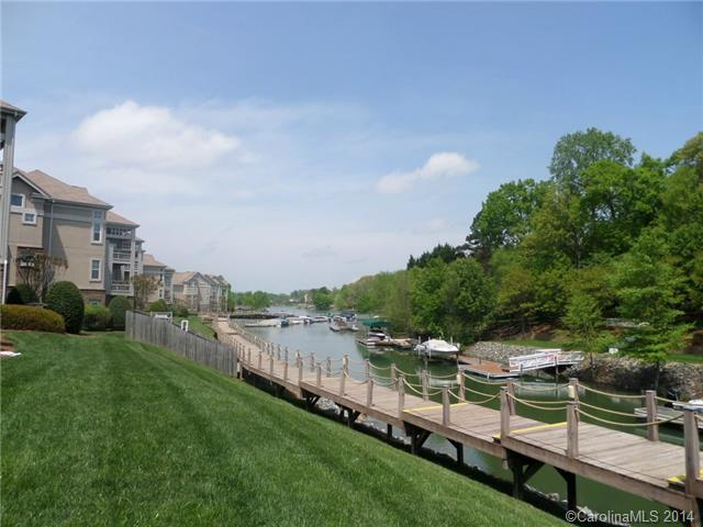 3003284 Lake Norman Waterfront Condos