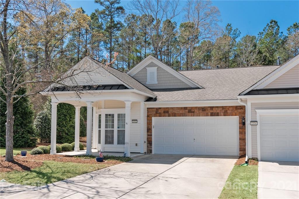 photo of home for sale at 1552 River Bend Boulevard