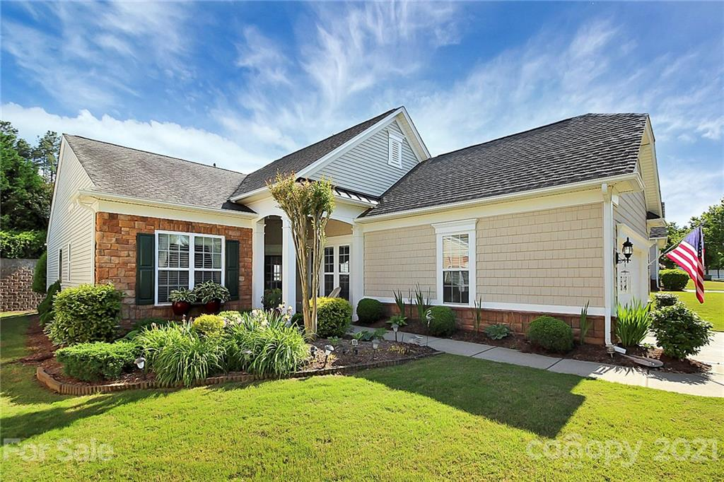 photo of home for sale at 52092 Longspur Lane