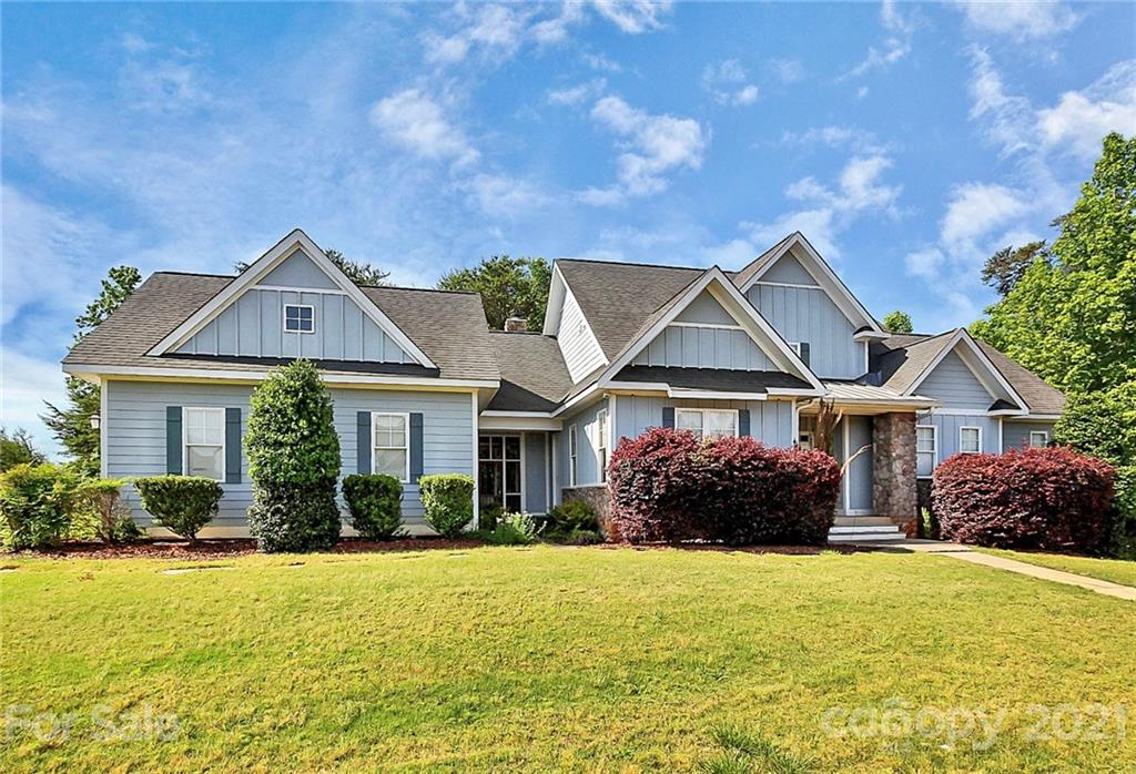 photo of home for sale at 17306 Yachtsman Court