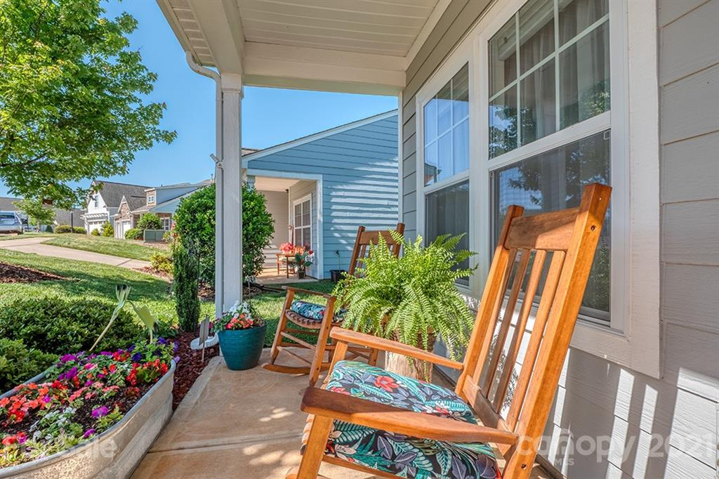photo of home for sale at 25356 Seagull Drive