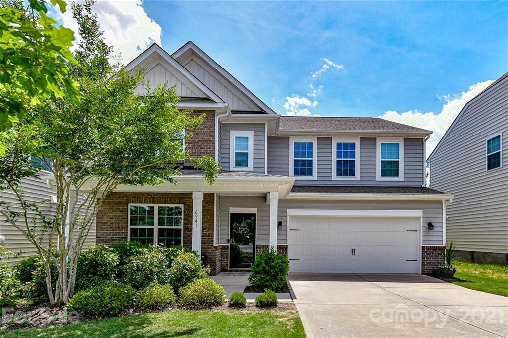 photo of home for sale at 6941 Liverpool Court