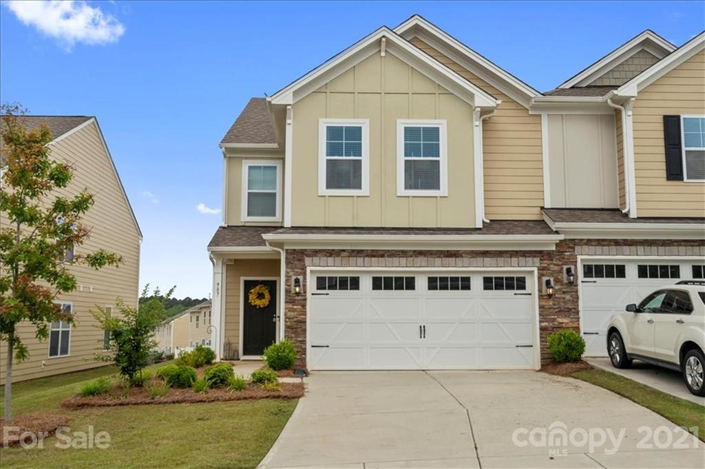 photo of home for sale at 987 Pennington Drive