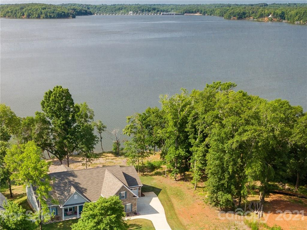 photo of home for sale at 19697 Harbor Watch Court