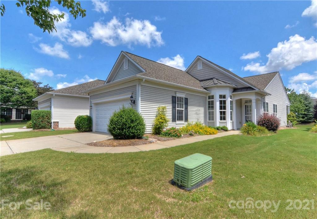 photo of home for sale at 2221 Lilac Lane