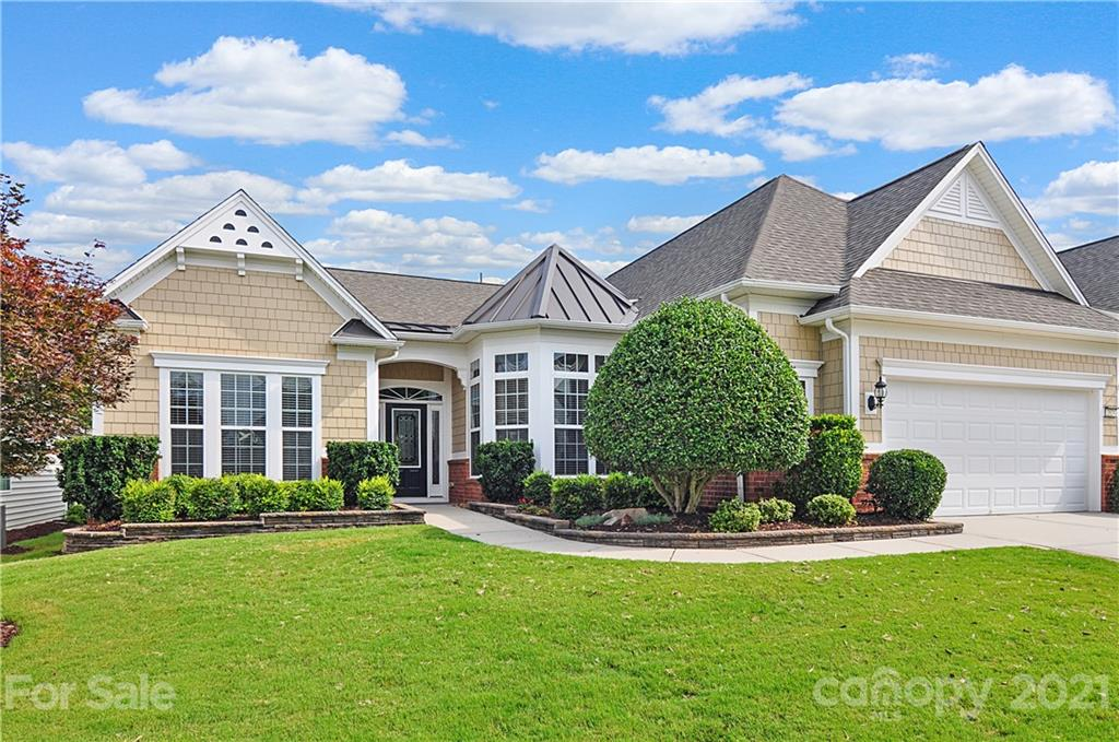 photo of home for sale at 2024 Somerset Terrace