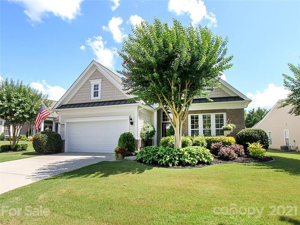photo of home for sale at 2095 Hartwell Lane
