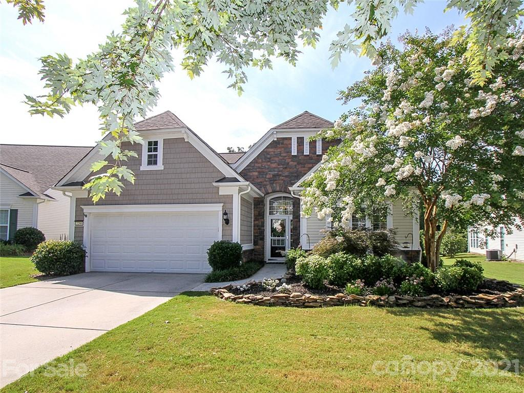 photo of home for sale at 2290 Hartwell Lane