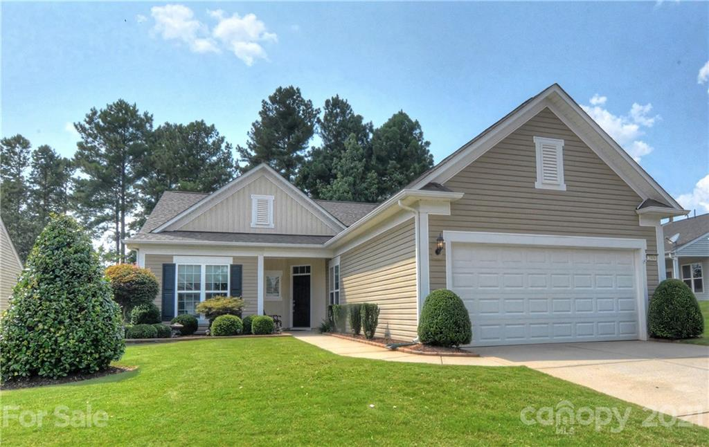 photo of home for sale at 2008 Moultrie Court