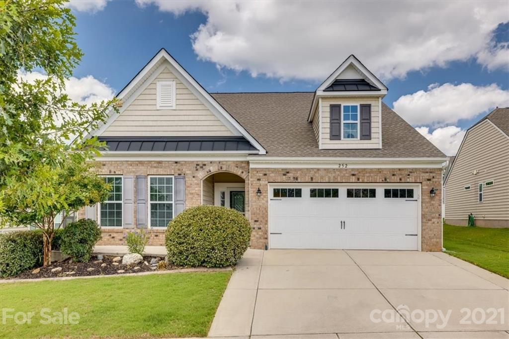 photo of home for sale at 252 Fordham Court