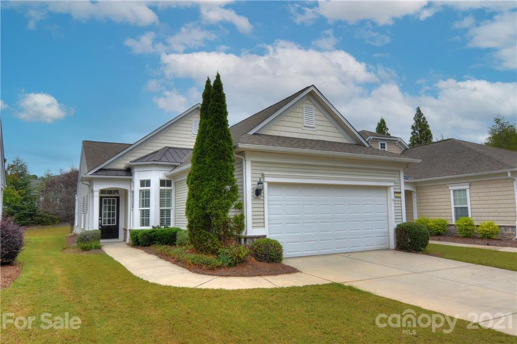 photo of home for sale at 2227 Lilac Lane